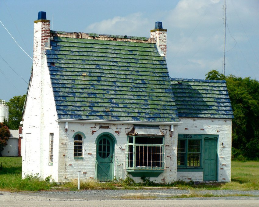 The English Cottage Gas Station that Has a Story to Tell in Cape Charles