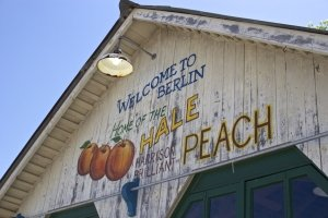 Vintage Peaches Sign in Berlin, Maryland
