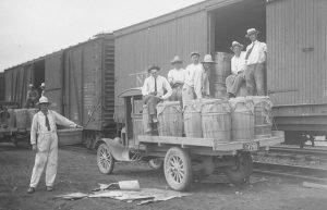 Loading Potatoes in Tasley, Va. (Eastern Shore of Virginia Historical Society)